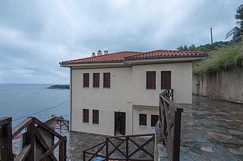 Леандр4*  апартаменты с восхитительным видом на море и местность