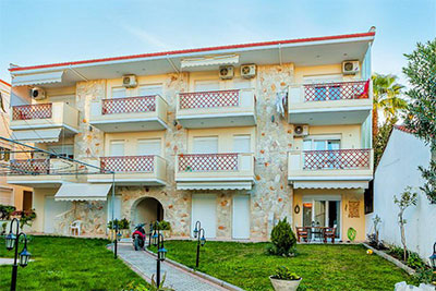 Диас  Комфортные апартаменты в центре Пефкохори