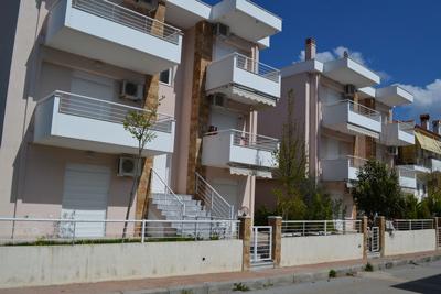 Александра  4* апартаменты с бассейном