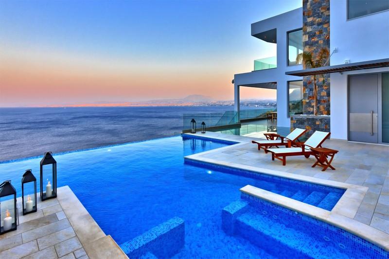 Океан5*современная вилла с захватывающим видом на море